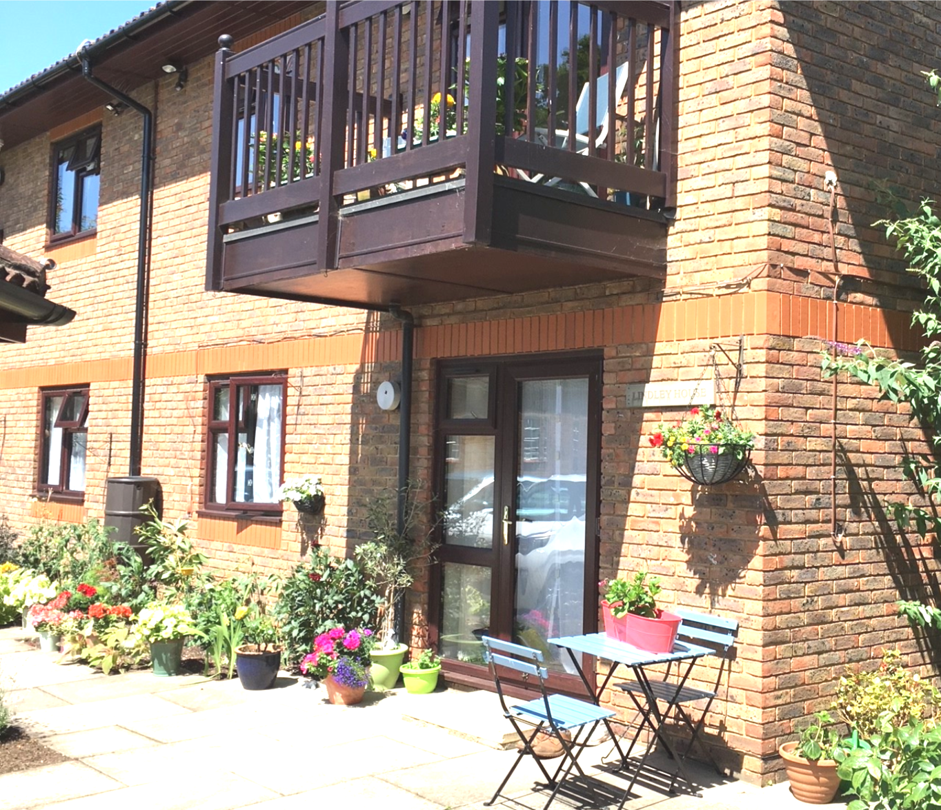 Modern, affordable apartments for the over 55s in the heart of West Byfleet